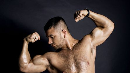 a0MuscledStud