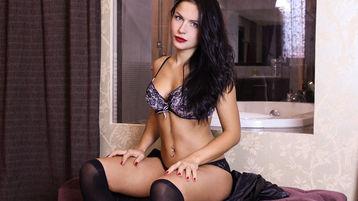 Show quente na webcam de Emiralda – Meninas em Jasmin