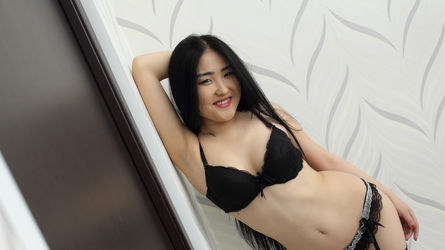 Michie | LiveSexAsian