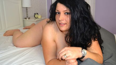 bustygirl1 | LivePrivates