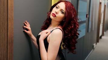Show-ul fierbinte al lui IsabellaRed – Fata pe Jasmin