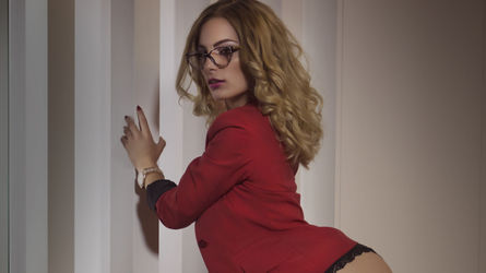 LovelySophieee | Sexchatcam-live