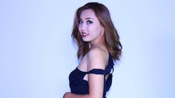 Show-ul fierbinte al lui SadaLin – Fata pe Jasmin