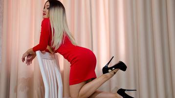 Show fierbinte la webcam LilLuci  – Fata pe Jasmin