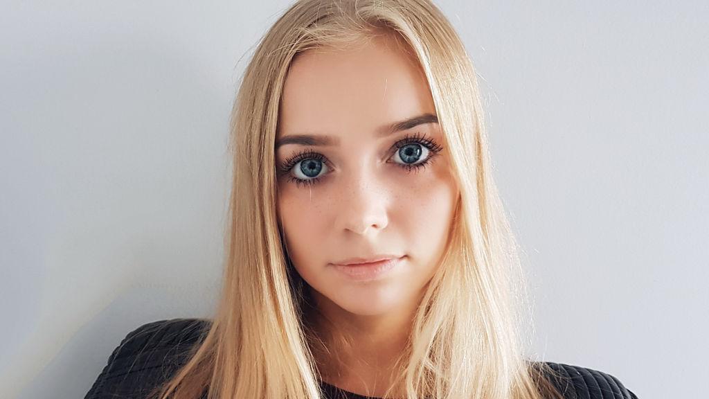 blondecutenesss hot webcam show – Fræk Flirt på LiveJasmin