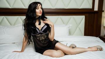 Show fierbinte la webcam AleksiyaMoon  – Fata pe Jasmin