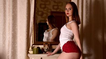 Show fierbinte la webcam SonyaFunnyGrl  – Fata pe Jasmin