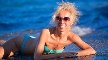LuxuryKiss のホットなウェブカムショー – Jasminの熟女