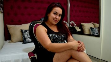 NatashaCooper:n kuuma kamera-show – Nainen sivulla Jasmin