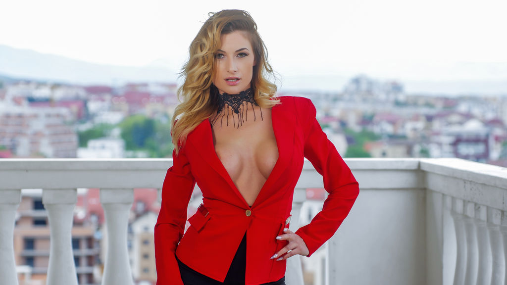 GlamorNikki's hot webcam show – Girl on LiveJasmin