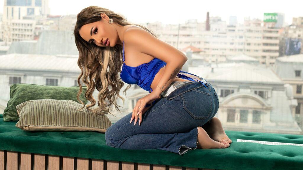 AshleyAnne žhavá webcam show – Holky na LiveJasmin