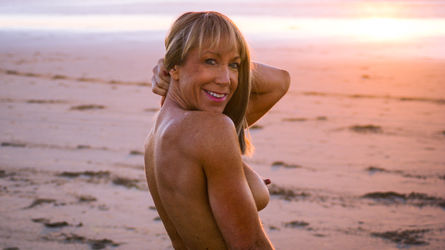 FitnessFreak's profile picture – Mature Woman on LiveJasmin