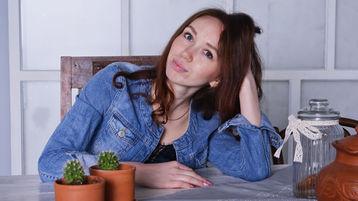 Show di sesso su webcam con AlisaEmerald – Hot Flirt su Jasmin