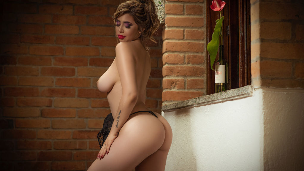 FranchezcaCaruso's hot webcam show – Girl on LiveJasmin
