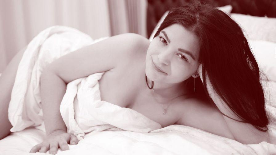 CayttlynJune的个人照片 – LiveJasmin上的女生