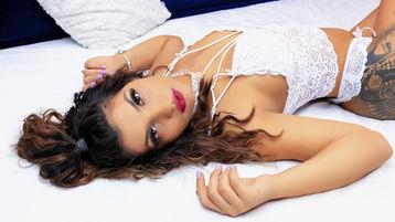 Show fierbinte la webcam BrandiRae  – Fata pe Jasmin