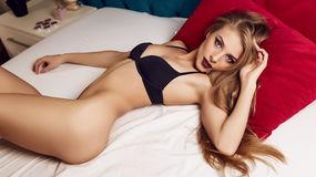 AmelieDixie's hot webcam show – Girl on LiveJasmin