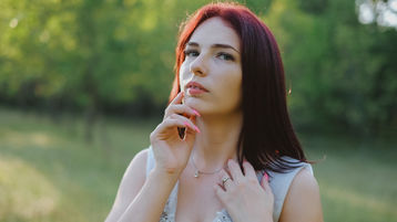 Show di sesso su webcam con MiniCris – Hot Flirt su Jasmin