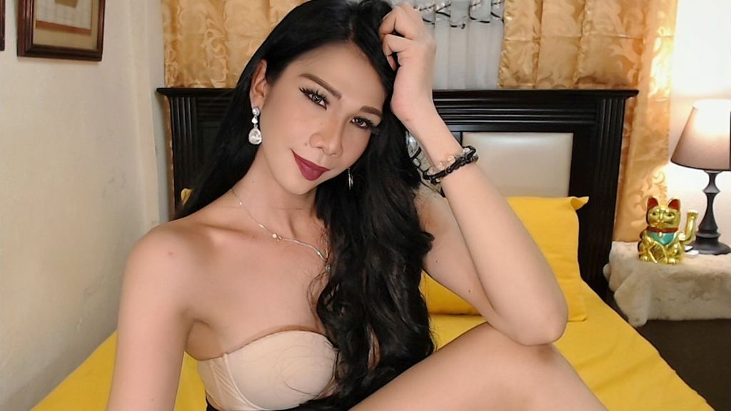 Free Live Sex Chat With ArielaPerry - Goshemalecams   Free