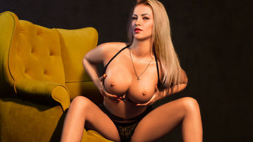 Show di sesso su webcam con LOVELYBLONDIExx – Donna su Jasmin