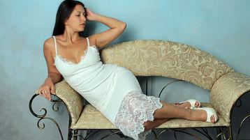 Show fierbinte la webcam ArielDolly  – Flirturi fierbinti pe Jasmin