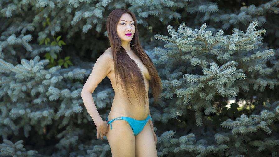 Adeelina的个人照片 – LiveJasmin上的女生