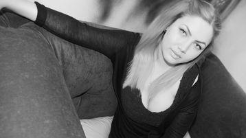 Show di sesso su webcam con WellaLoves – Donna su Jasmin