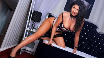Show fierbinte la webcam AkiraLeone  – Fata pe Jasmin