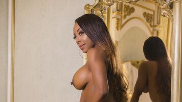 Show fierbinte la webcam CelesteAdamss  – Fata pe Jasmin