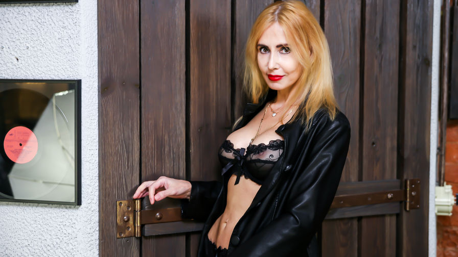 BlondySexyLadi's profile picture – Mature Woman on LiveJasmin